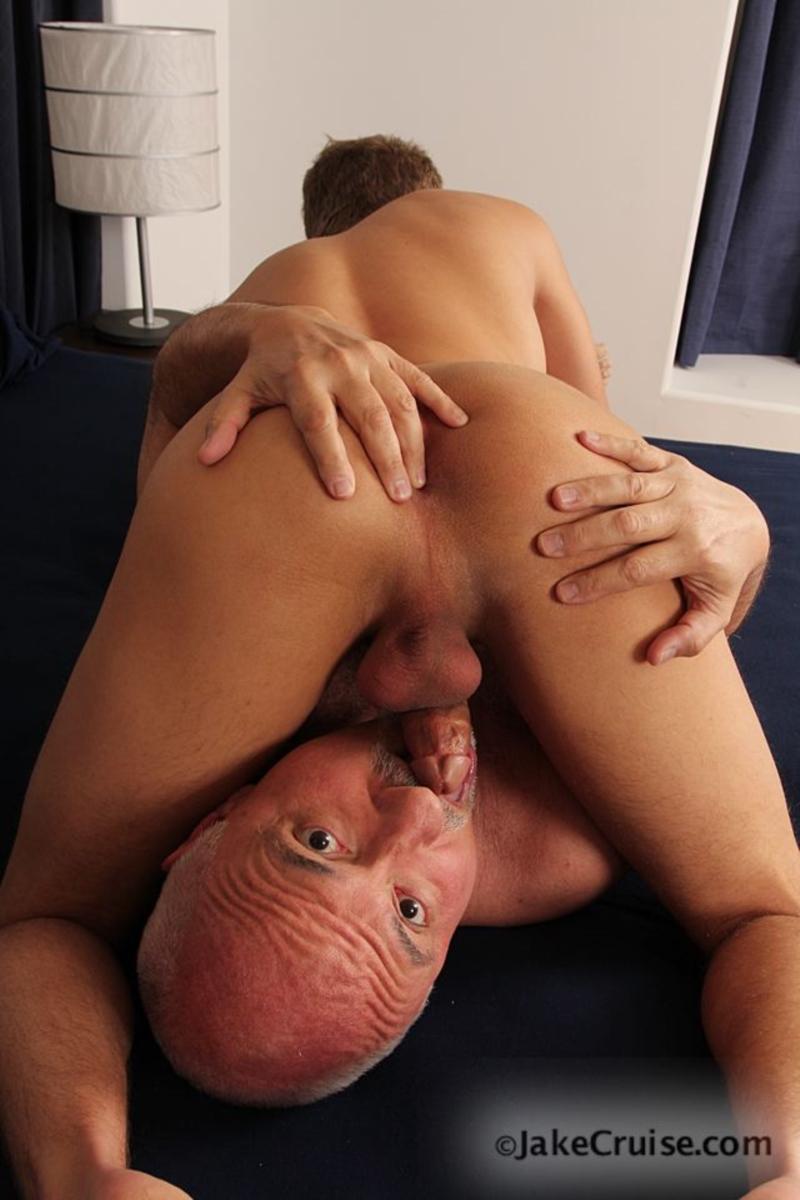 U tube senior sex