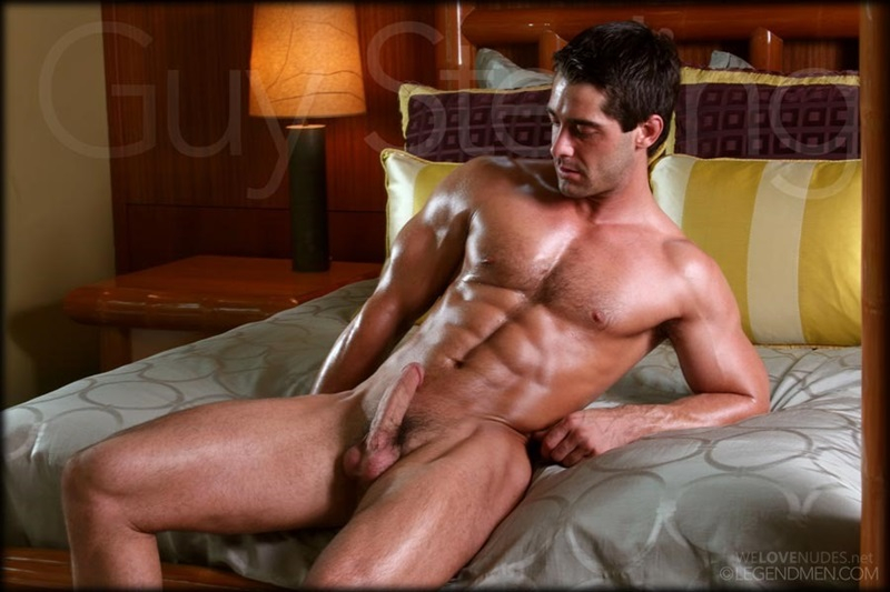 Sexy Naked Muscle Men
