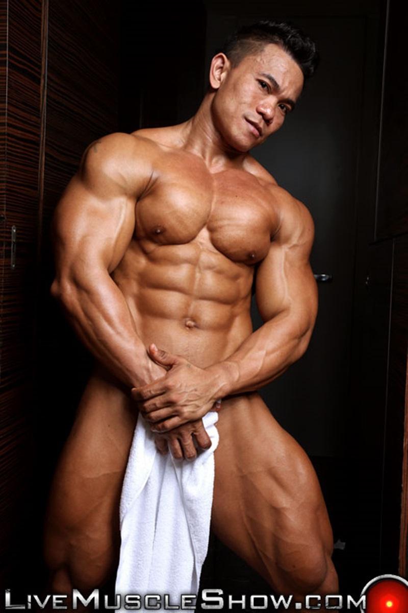 white male bodybuilders nude