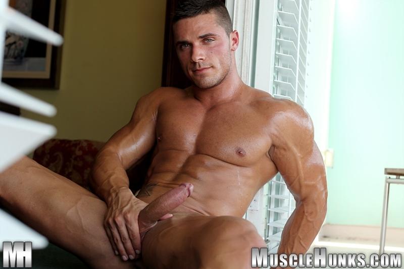 Фото мускулистые голые парни