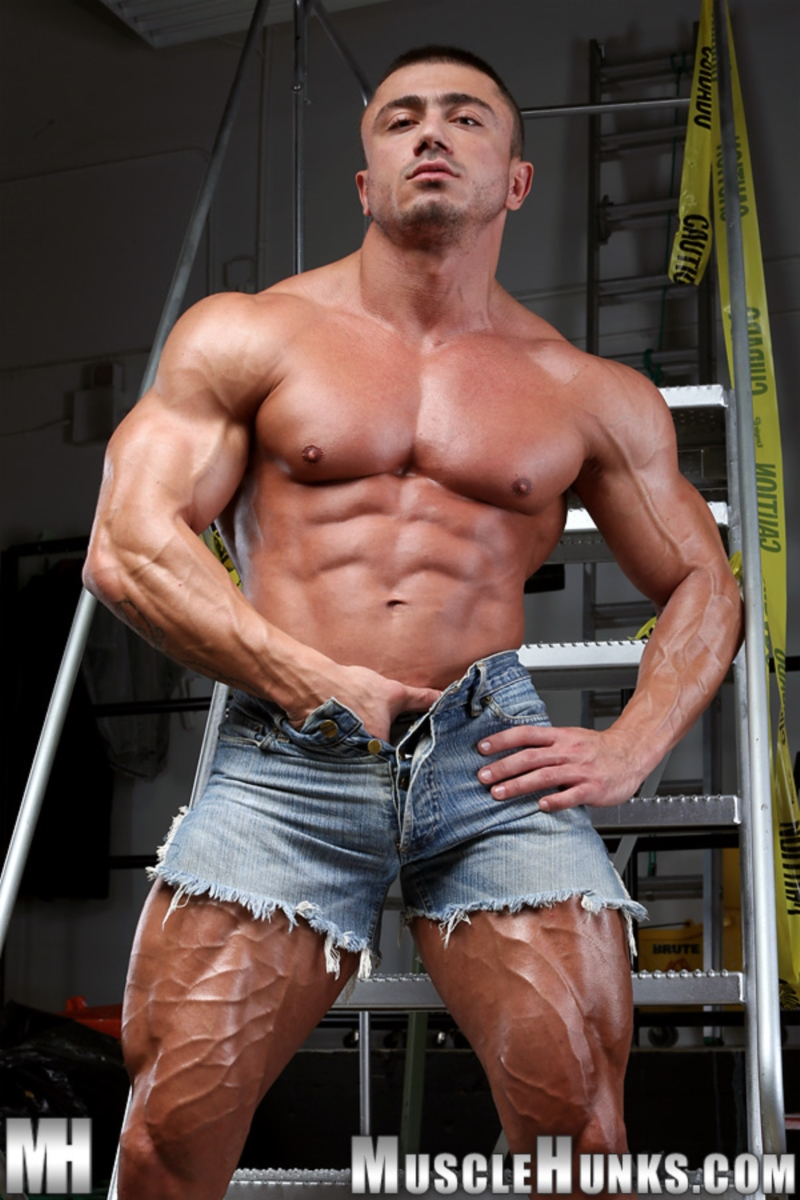 from Casen gay muscle hunks galleries