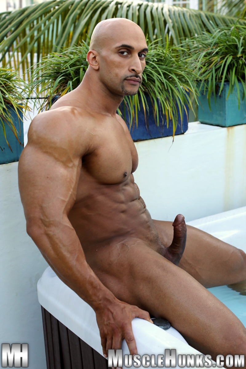 Rico Cane  Hung Bodybuilder  Gay Porn Star Pics  Dirty -4702