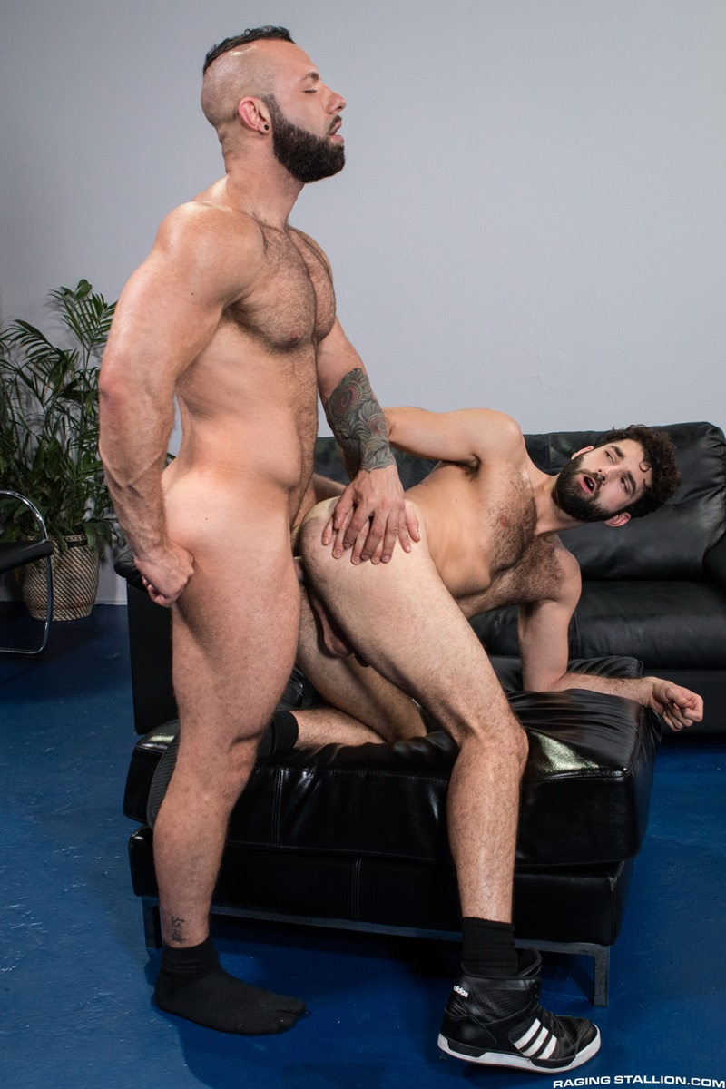 image Pilot hunk gets his dick sucked by a hottie in the cock pit