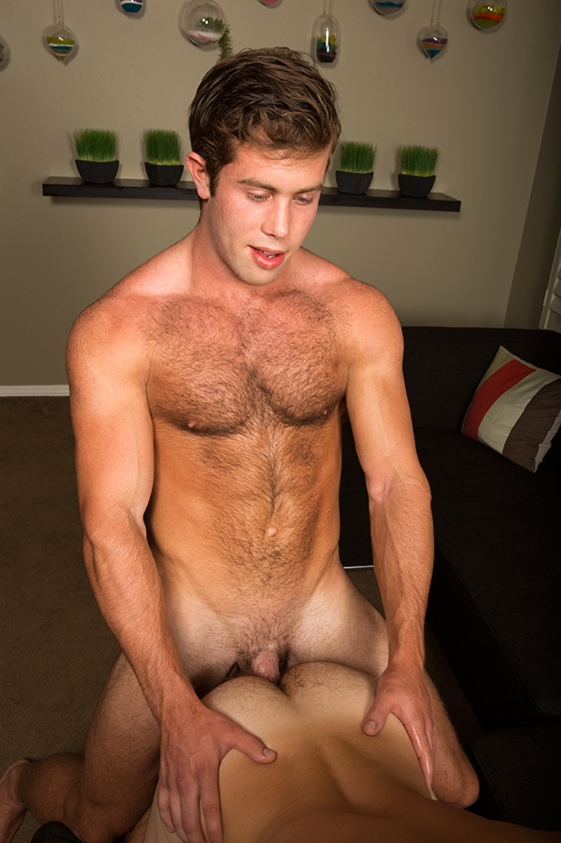 Hairy Chested Newcomer Scott Bare Fucking Tanners Tight -2048