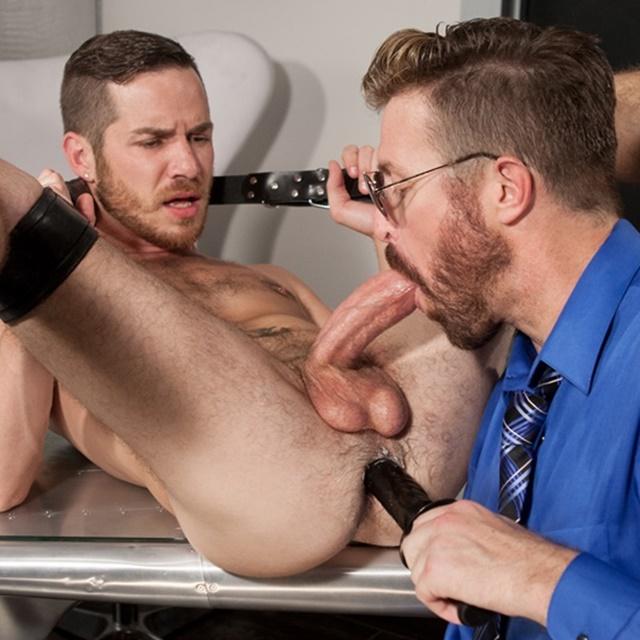 Hot gay pornstar blows his load