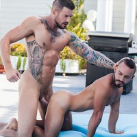 Tattooed Skater Wanks His Cock