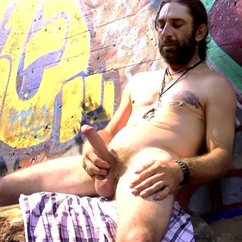 Fit Daddy Dude Squirell Strips Naked And Wanks Out A -7105